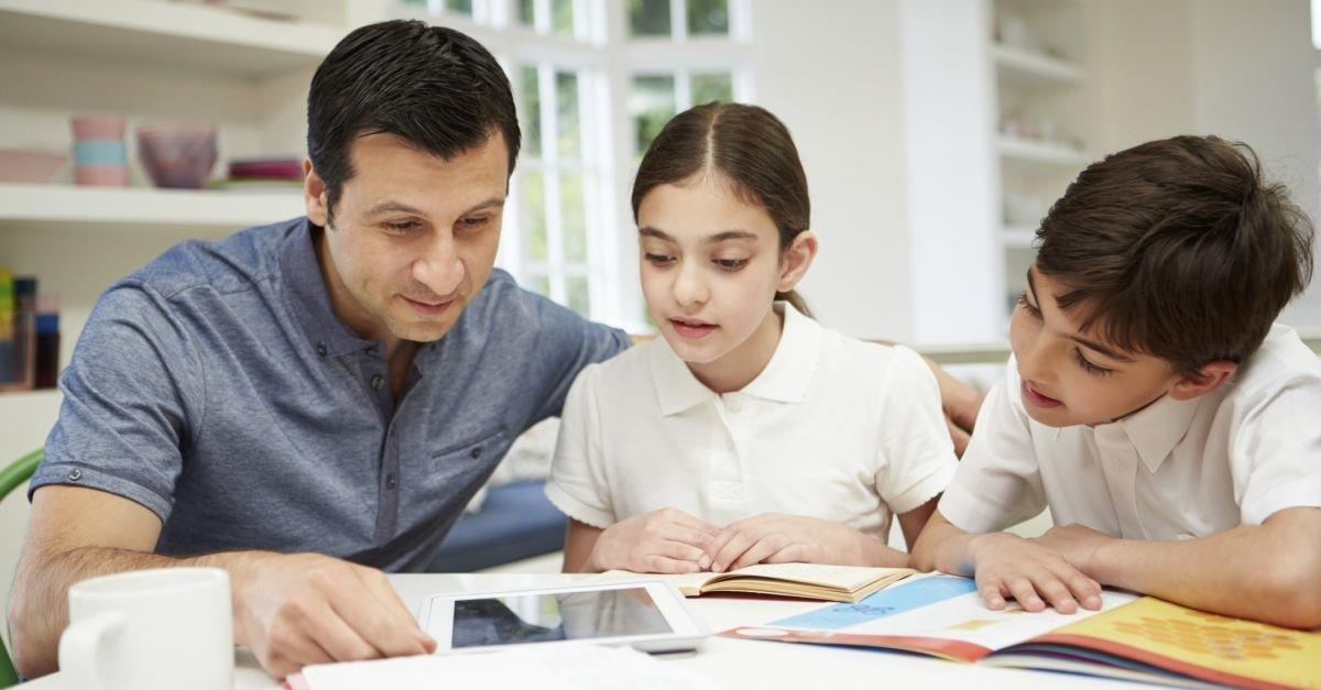 homes schooling is best choice for students, homeschooling methods, traditional homeschooling, montessori method
